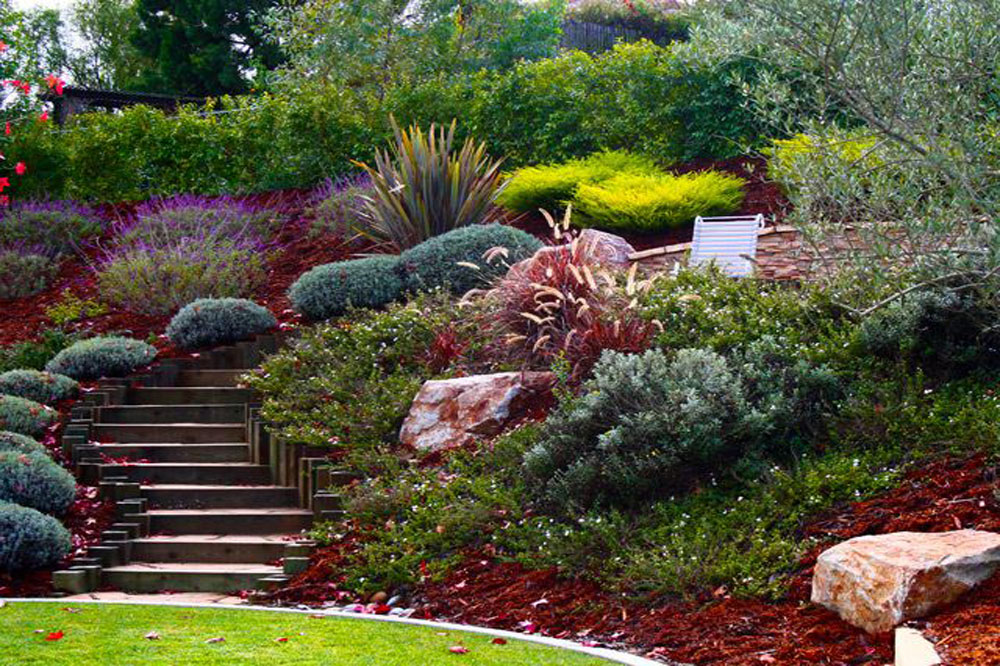 Landscaping-Ideas-For-Sloping-Hills